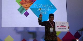 Muhammad Ja'far Hasibuan Juara 1 Santripreneur Award 2018 Kategori Boga (Olahan Pangan) dalam Indonesia Syariah Fair (Insyaf) di Balai Kartini, Jakarta. Rabu, 28 Nopember 2018. (AL Sattar)